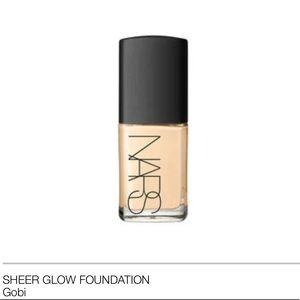Nars Sheer Glow Foundation Gobi